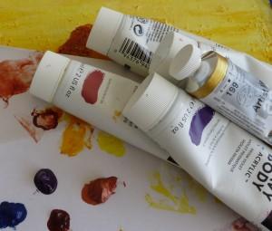 tube peinture et taches