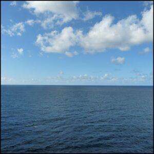 mer ile terre bleu horizon