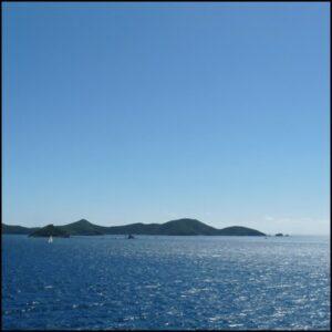 mer ile terre bleu