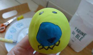 balle diy monstre jaune bleu