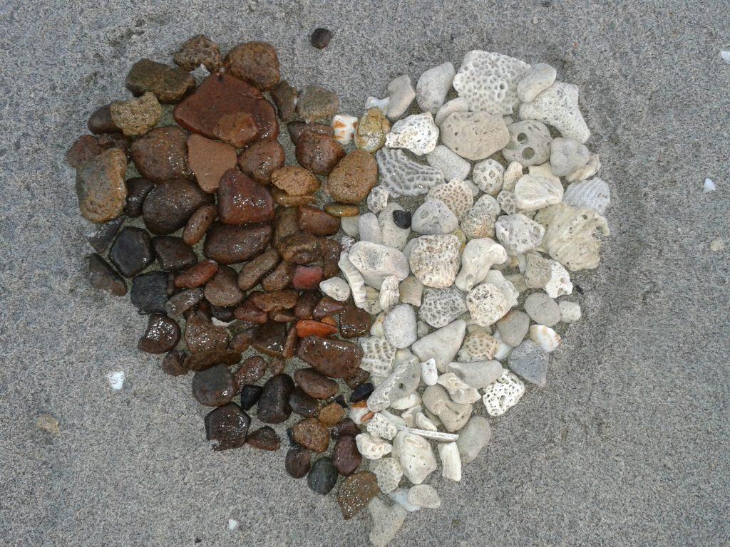 coeur-galet-bicolore