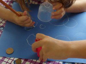 rond blanc dessiner par enfants