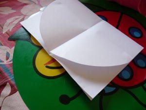 arc-en-ciel carte pop-up enfant activité feuille blanche