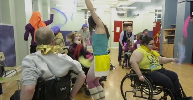 art-therapie danse handicap fauteuil