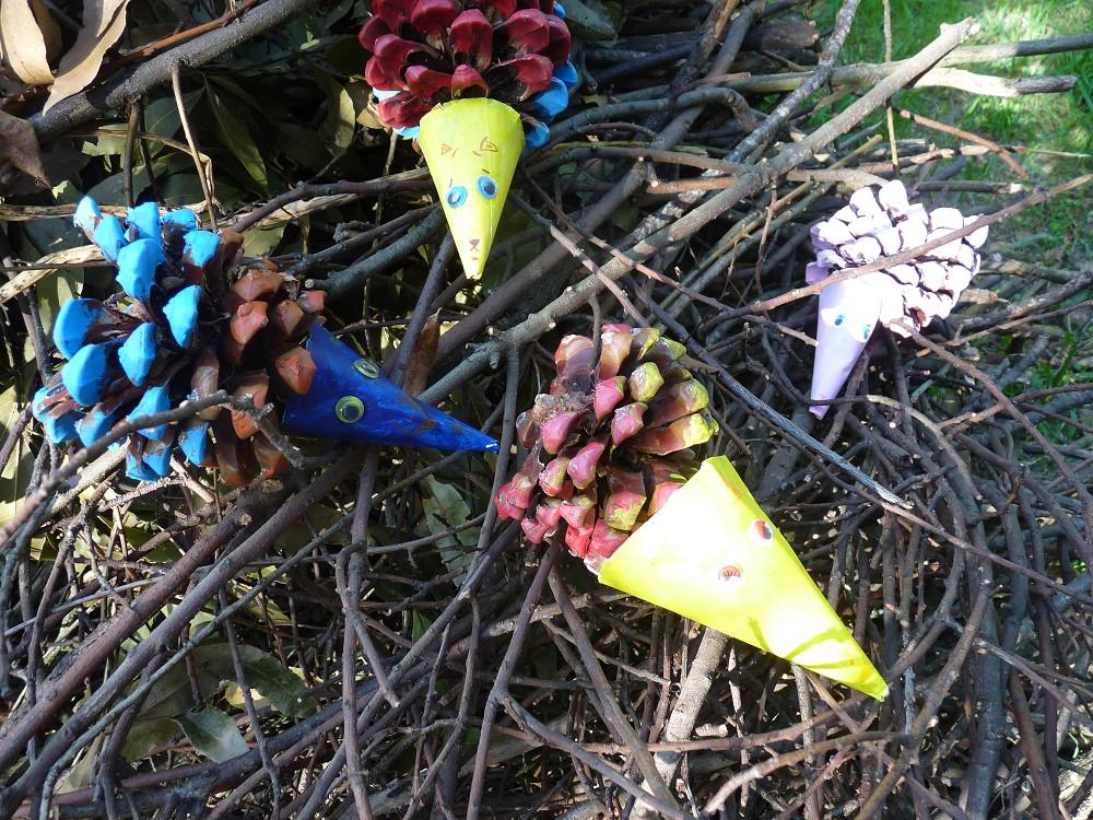 fabriquer des hérissons avec les enfants , ballade dans le jardin