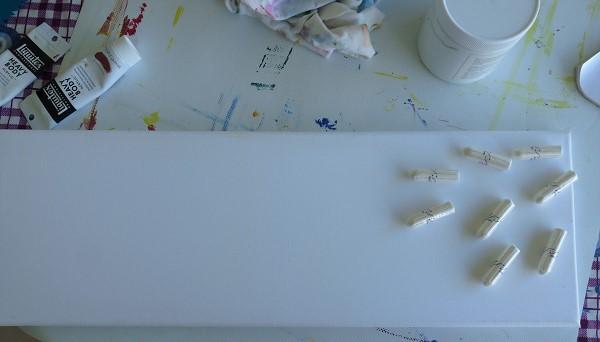 tampons posés sur le tableau - préparation acrylique elize