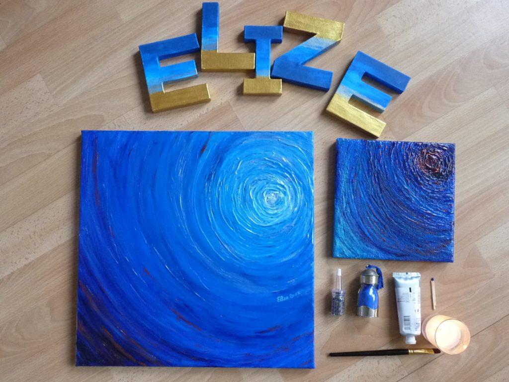 flatlay tableaux d'Elize spirales bleues