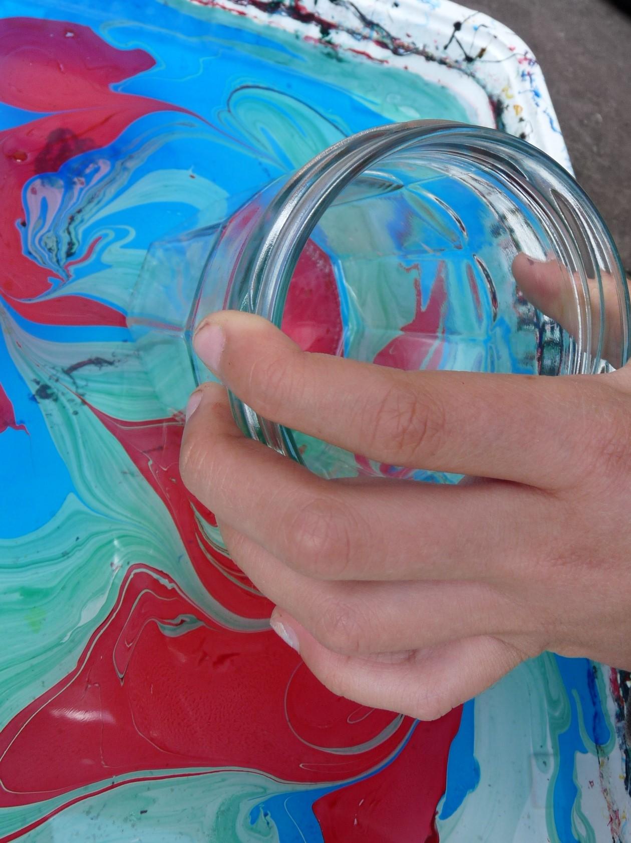 peinture marbrée pot main melange elize pigmentropie enfants