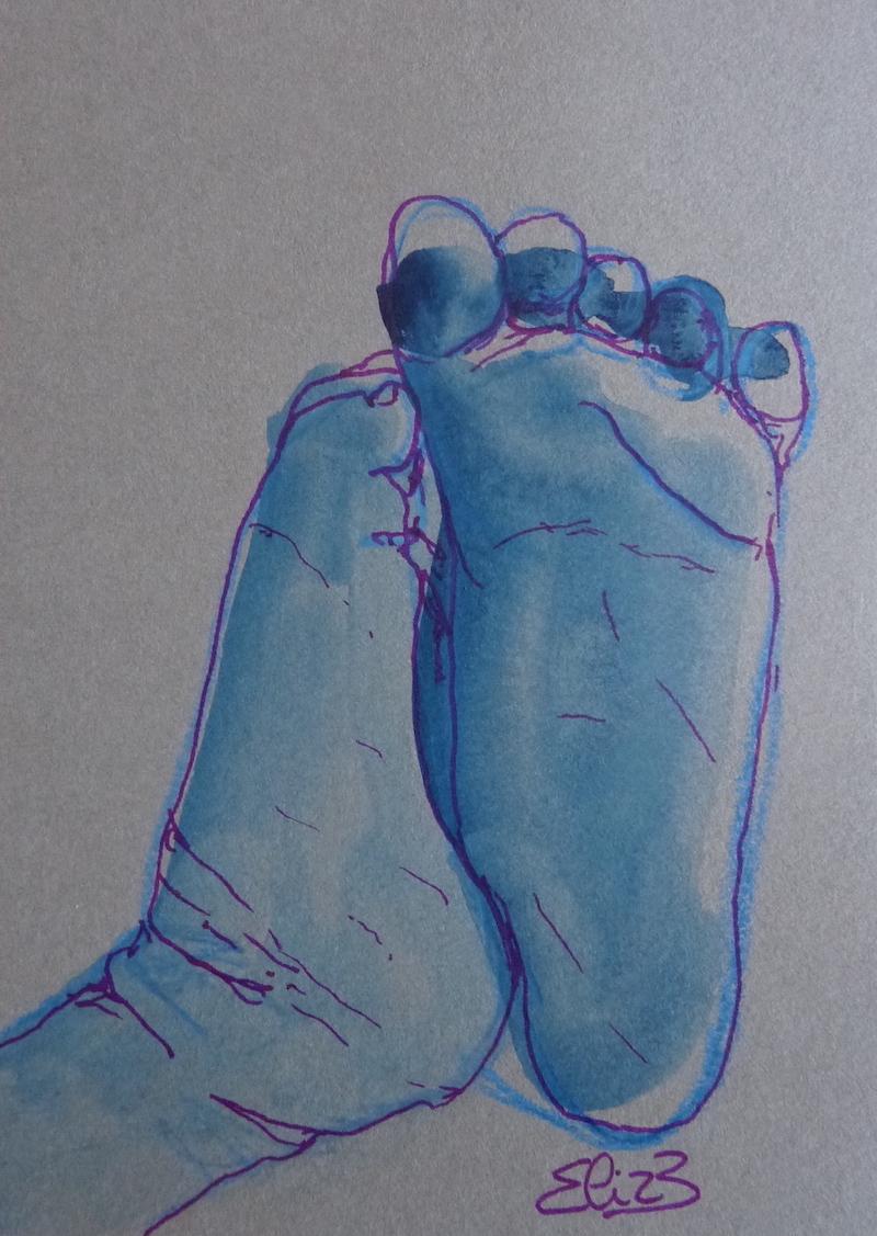 dessin de pieds de bebe - peton par Elize, encre bleu, trait violet, fond gris