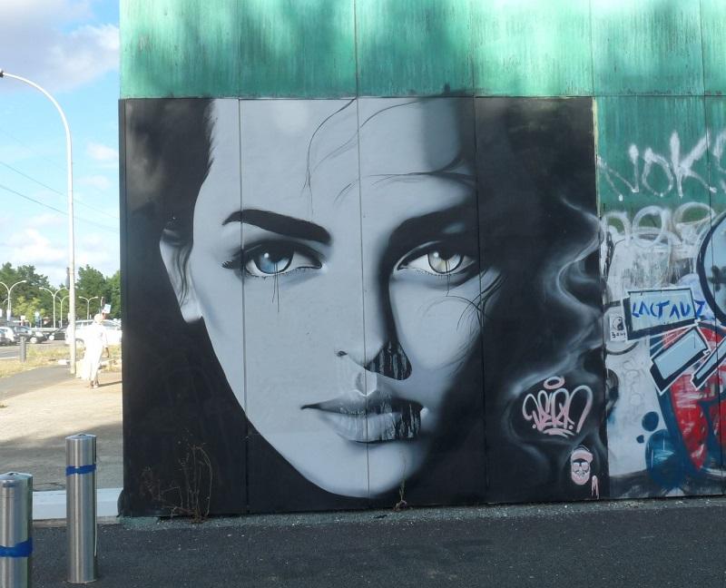 street art pessac portrait