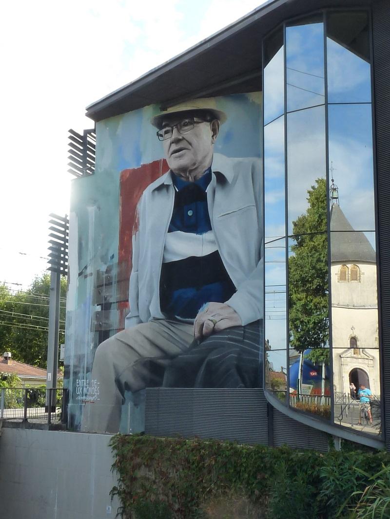 sismikazot portrait street art pessac